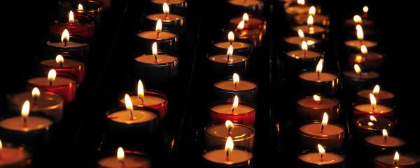 Flammes de bougies en gros plan