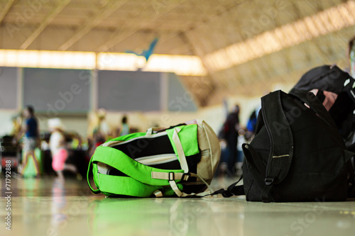Gepäck im Flughafen - 71792888