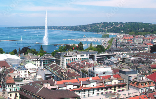 The city of Geneva, the Leman Lake and the Water - 71796035