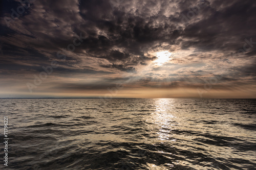 Tuinposter Water Beautiful seascape evening sea horizon and sky.