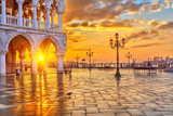 Fototapety Sunrise in Venice