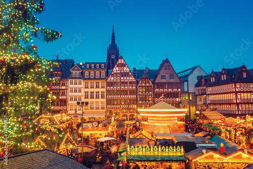 Leinwanddruck Bild Christmas market in Frankfurt