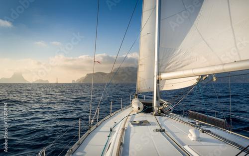 Sailing boat - 71808894