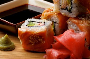 Salmon Maki Roll
