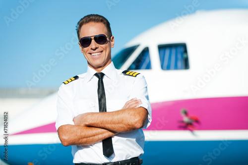Confident pilot. - 71824052