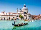 Fototapety Gondola on Canal Grande with Santa Maria della Salute, Venice