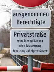 Betreten verboten auf Privatstraße