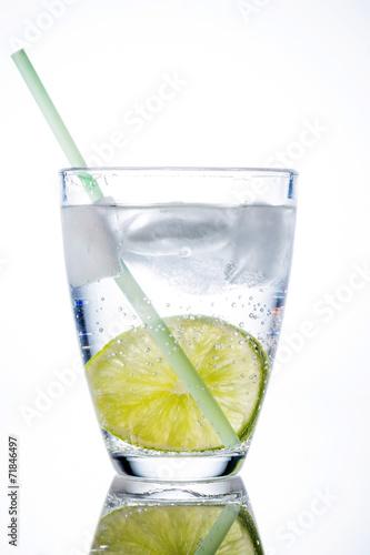 canvas print picture Wasserglas und Limette