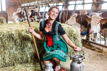 Sexy Bäuerin im Kuhstall