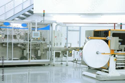 Leinwanddruck Bild wet wipes production