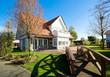 Backsteinhaus mit Garten