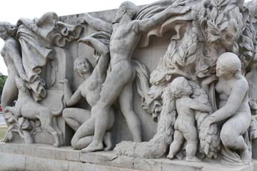 parigi-statua