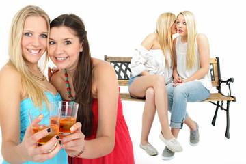 Gruppe junger Leute im Sommer