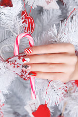 Beautiful fun painted nails for winter