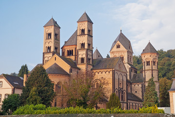 Klosterkirche der Benediktinerabtei Maria Laach in der Eifel
