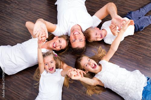 großfamilie - 71909699