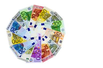 Euro-Geldscheine im Kreis