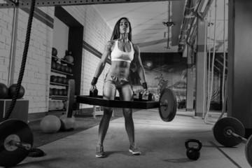 Hex Dead Lift Shrug Bar Deadlifts woman at gym