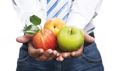 Dany ejecutivo con frutas