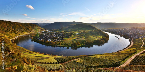Moselschleife im Herbst - 71927673