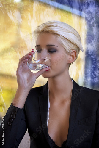 canvas print picture drinking water