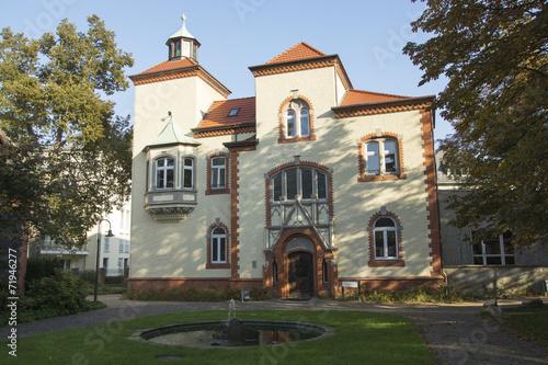 Leinwanddruck Bild Willy-Brandt-Haus in Recklinghausen, NRW, Deutschland