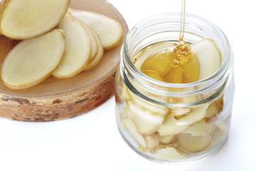 生姜の蜂蜜漬け作り