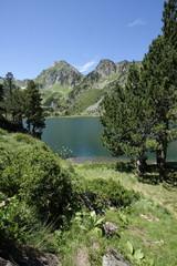 Etang du laurenti et roc blanc,Pyrénées