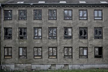 Fassade eines verlassenen Gebäudes HDR