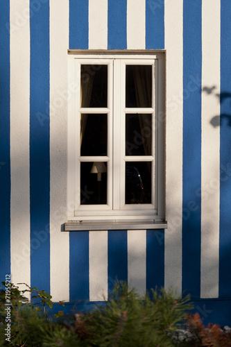 canvas print picture Fassade mit Fenster