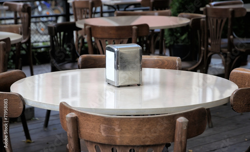 In de dag Buffet, Bar The table in the bar.