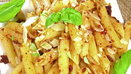 Penne and Tomato Pesto (loopable)