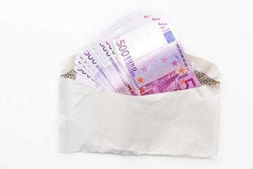 Geldscheine im Kuvert