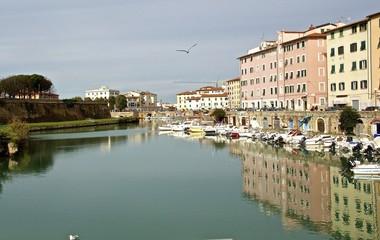 Canale con Barche Quartiere Venezia a Livorno