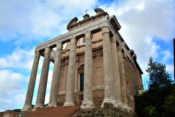 Temple of Antoninus and Faustinus,Roman forum