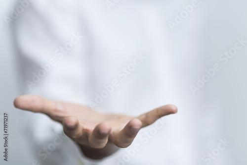 Leinwandbild Motiv hand geöffnet