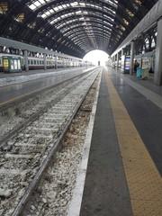 Sciopero autoferrotranvieri. Stazioni deserte e treni fermi.