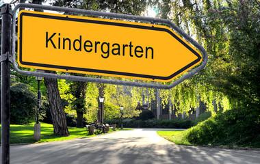 Strassenschild 25 - Kindergarten