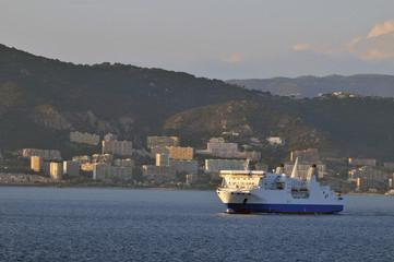 Ferry au départ d'Ajaccio