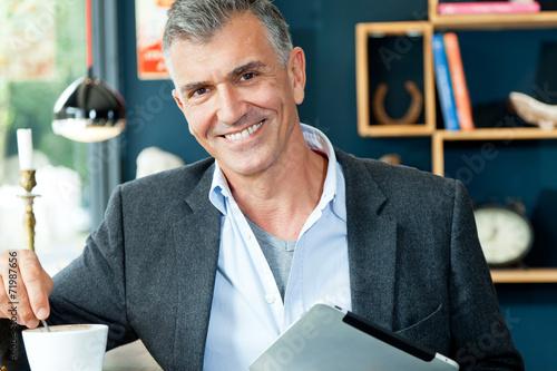 canvas print picture Mann im Bistro