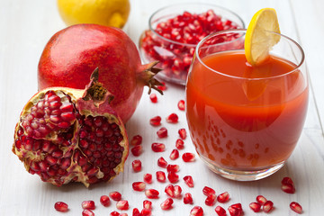 Fresh pomegranate juice with lemon