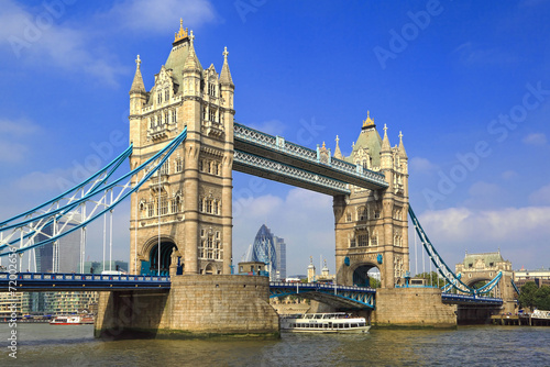 Fototapeta Famous London Tower Bridge over the River Thames on a sunny day