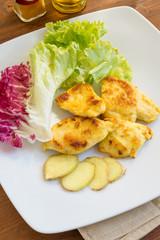 Pollo fritto con curcuma e contorno di verdure