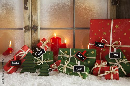 Leinwanddruck Bild Weihnachtsgeschenke mit Namensschilder
