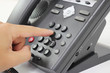 電話をかける making a phone call - 72011654