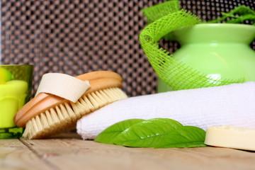 Handtuch und Bürste