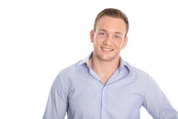 Junger schöner blonder Mann mit Sommersprossen: Freisteller