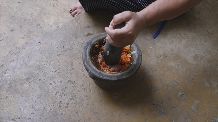 Pounding Thai chili sauce mix with shrimp paste