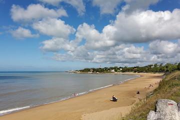 Plage de sable, côte Atlanatique, France