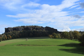 Blick zum Pfaffenstein in der Sächs. Schweiz